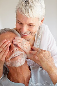 portrait-senior-old-couple-lost-love-8816400