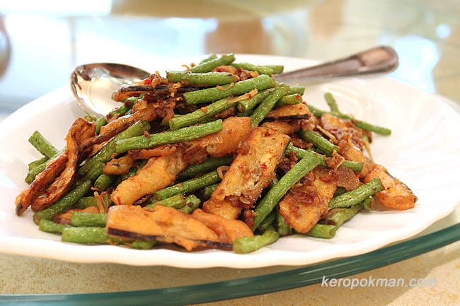 Long Bean with Crispy Brinjal