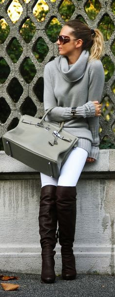 I love the long sleeves on this grey sweater, not so keen on the combo.