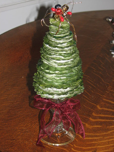 25 Days of Hand Crafted Gifts & Orn. - Vint Paper Christmas Tree 020