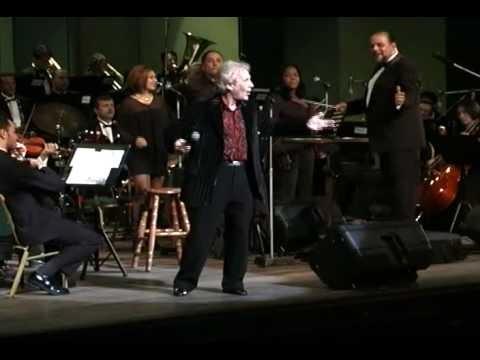 Víctor Kapusta con La Orquesta Filarmónica de Costa Rica - Hoy te doy la mitad de lo que soy
