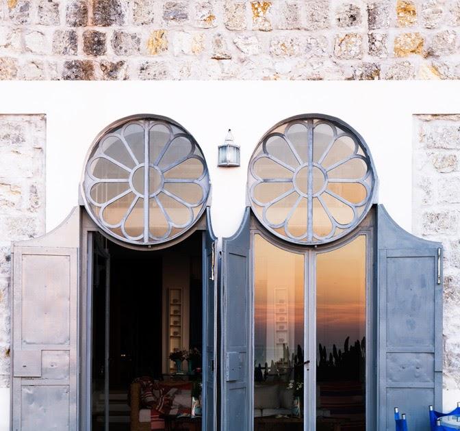 Decordemon: Madonna House By Photographer Adriano Bacchella