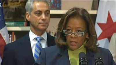 Chicago Public Schools chief exits