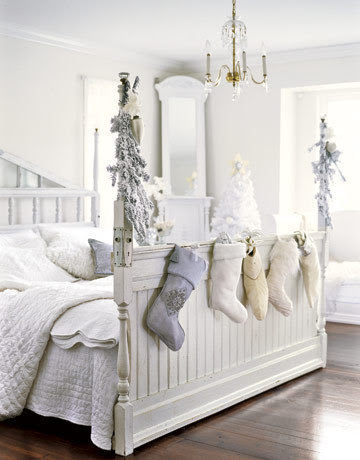 Bedroom-white-holiday-stockings-htours1206-de_large
