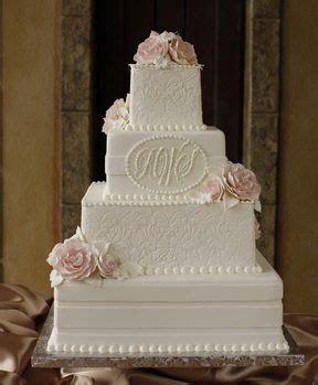 See Cakes By Creme de la Creme on WeddingWire   Wedding