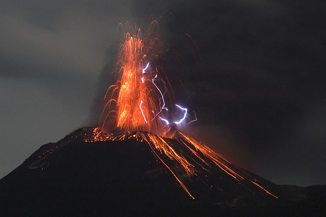 Eruption lightning