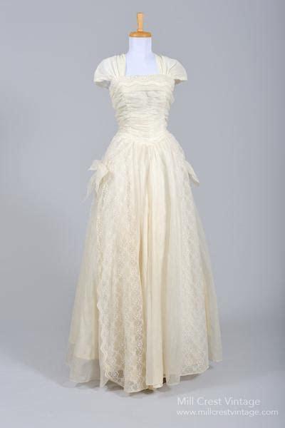 1950?s Ecru Lace Vintage Wedding Gown