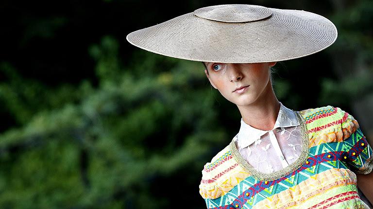 Desfile de Jesús del Pozo en Mercedes-Benz Fashion Week