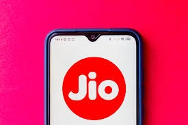 Reliance Jio is now joining hands with Itel to bring cheap smartphones to India
