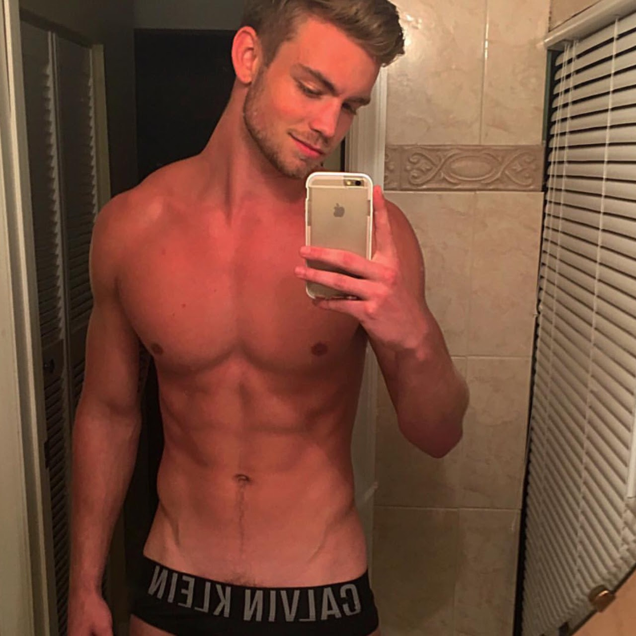 Stop tantalizing me, Dustin McNeer!Click here to see my other posts on Dustin.
