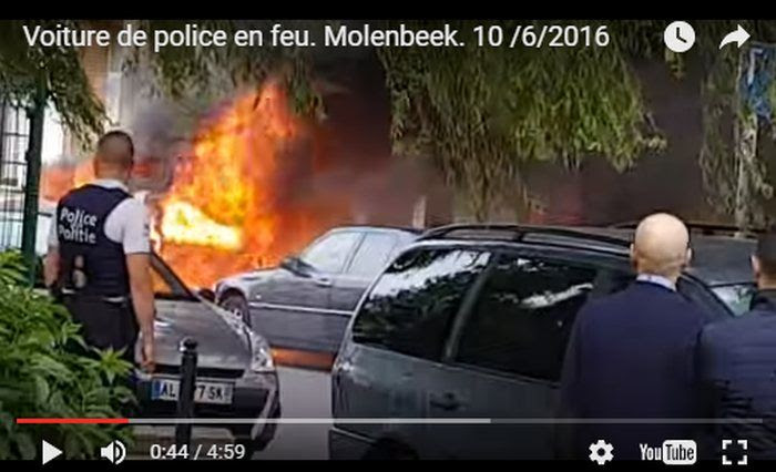 photo muslims_torch_police_car_molenbeek_10062016_zpsentmvi52.jpg