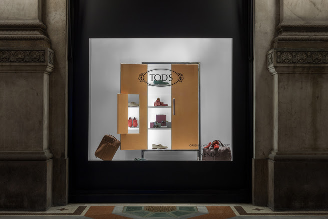 cabinet in the window03
