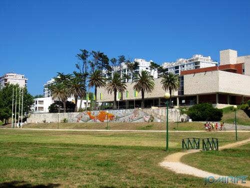 Arte Urbana by Mário Belém - Peixe laranja/Imaginário no CAE na Figueira da Foz Portugal - Abadias (2) [en] Urban art by Mário Belém - Orange Fish/Imaginary in Art Center Figueira da Foz, Portugal