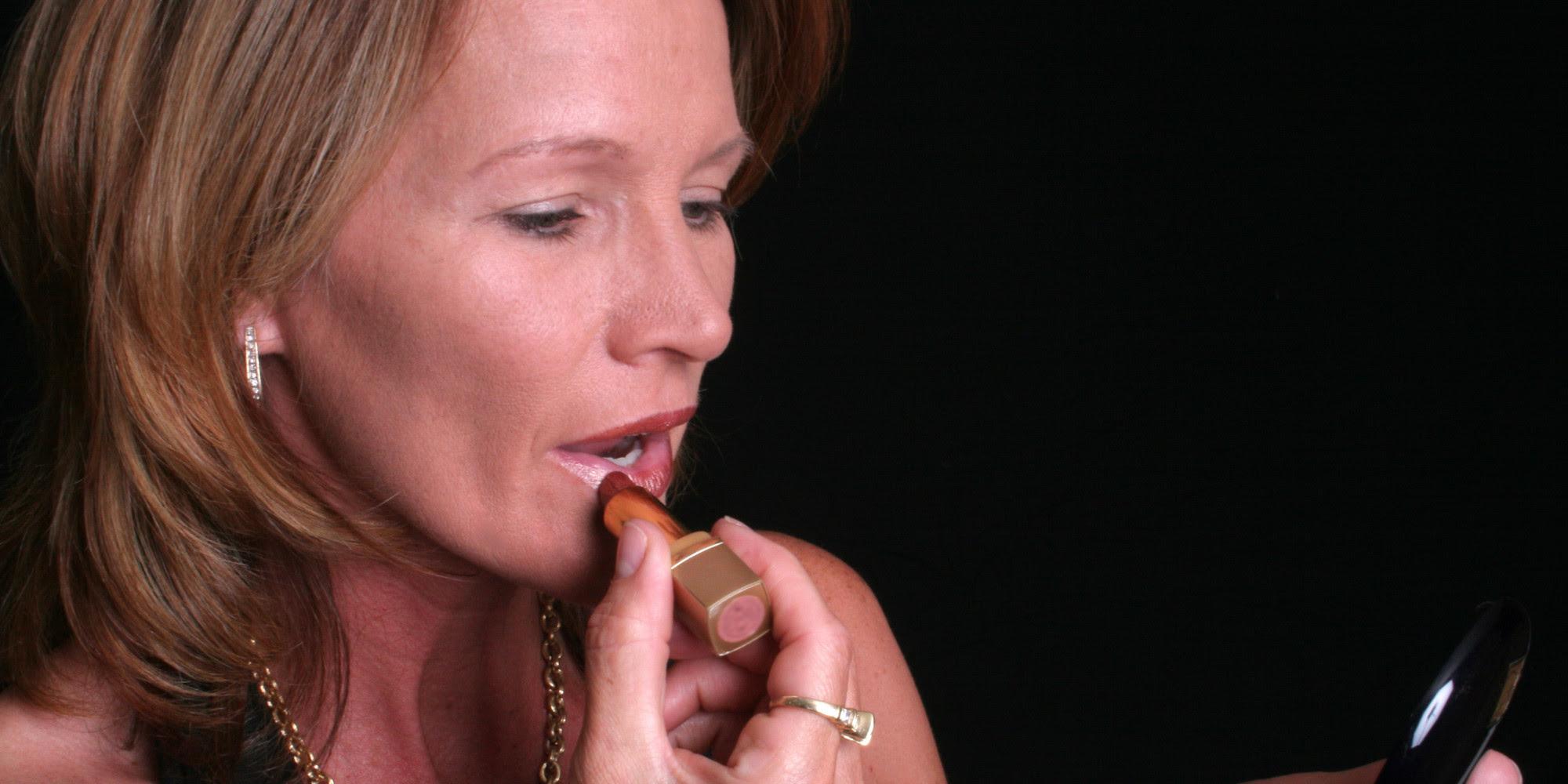 Parents tribune makeup tips for older women