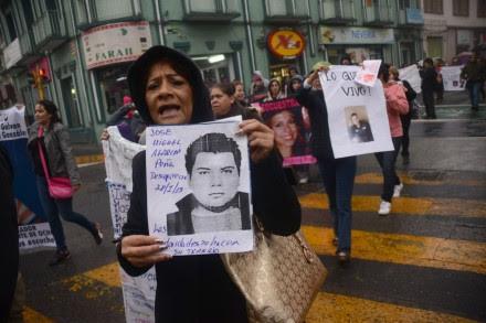 Familiares de desaparecidos exigen la renuncia de Duarte en Veracruz. Foto: Rubén Espinosa