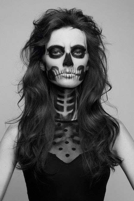 Skeleton makeup-maybe paint my face for the trick-or-treaters!
