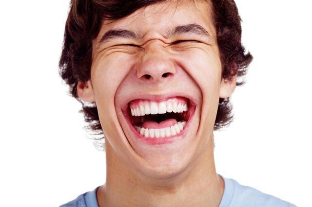 Dar boas risadas faz bem para o cérebro Sergey Furtaev/shutterstock.com