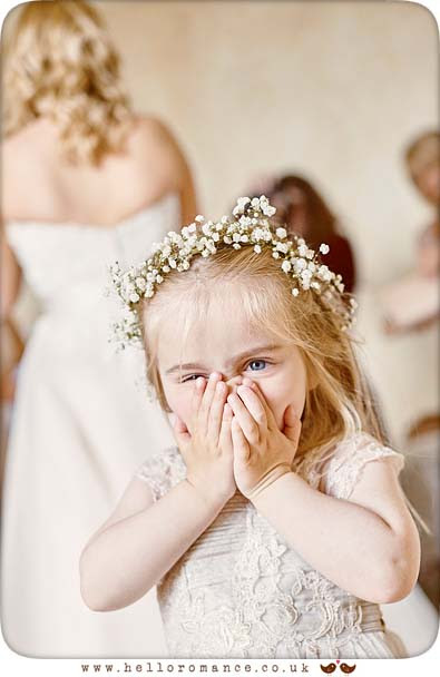 Cute Flower Girl reaction to seeing Bride - www.helloromance.co.uk