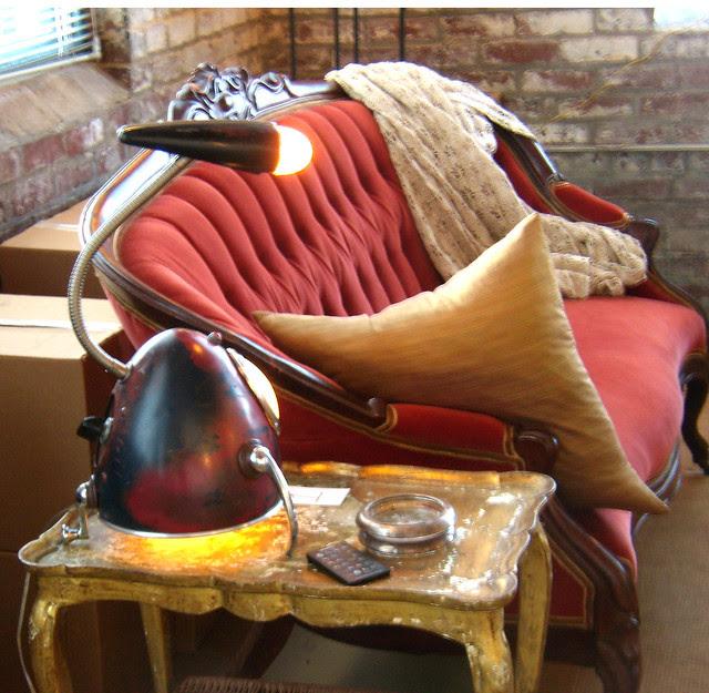 PC052106-2009-12-05-Fulton-Bag-Perfect-Lamp-Sofa-Table-Jay Halsted-Marlis-Cornett