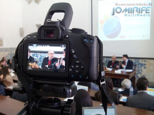 A filmar Jaime Gama no Seminário Internacional A Socialidade para Além da Estadualidade