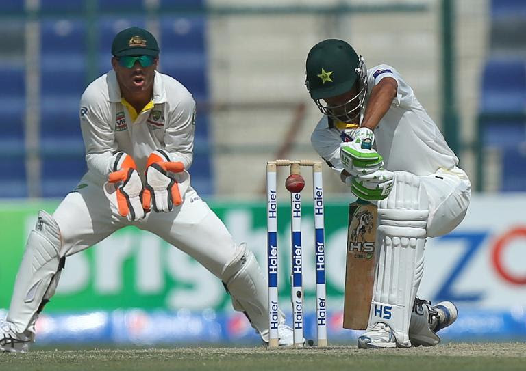 Younis leads Pakistan charge against sloppy Australia