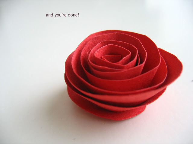 Paper flower tutorial: done!