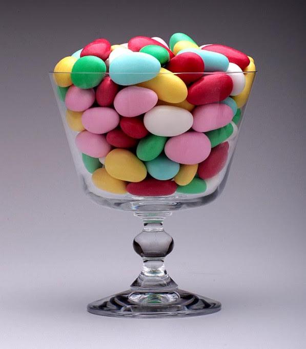 Resultado de imagem para amendoas coloridas