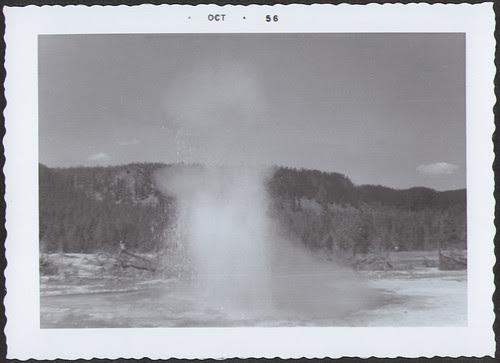 Yellowstone1956_Geyser2