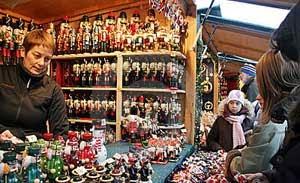 Natal dan Tahun Baru sudah di depan mata 4 Pasar Malam Natal Paling Besar dan Meriah