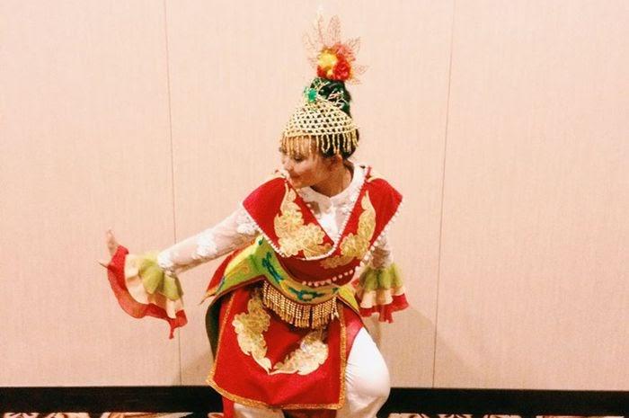 Pakaian Adat Dki Jakarta Brainly - Baju Adat Tradisional