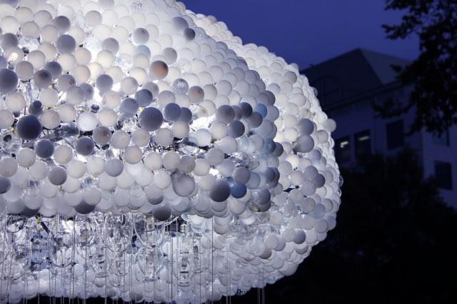 Cloud installation made  of 6,000 Light Bulbs multiples lighting light installation clouds