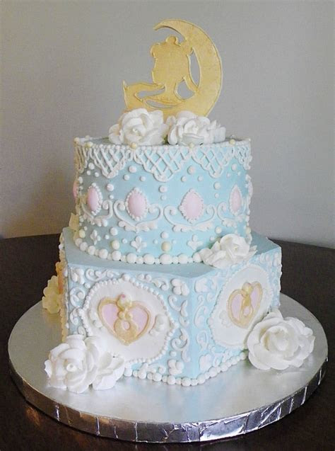 Recent Bakes: A Sailor Moon rococo cake.   Pretty Cake Machine