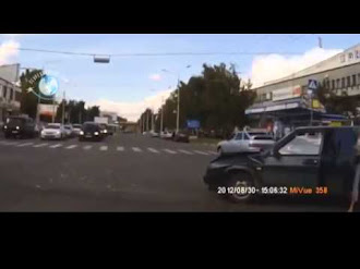 Auto se Teletransporta en Rusia (Car Teleportation In Russia)
