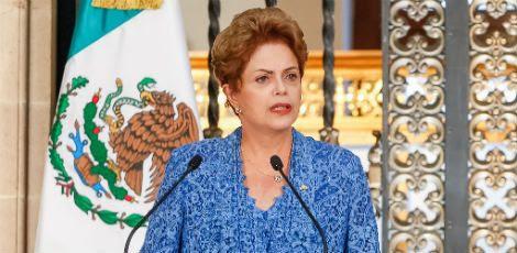 Dilma seguiu a orientação do ex-presidente Luiz Inácio Lula da Silva, que recomendou que não se abrisse uma nova crise em tempos de baixa popularidade do governo / Foto: Roberto Stuckert Filho/ PR