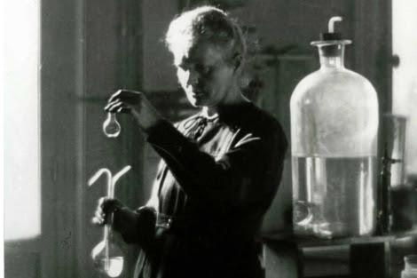 Marie Curie, en su laboratorio.   El Mundo