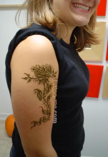 Lotus Flower Henna Tattoo On Upper Arm Tattoo Me