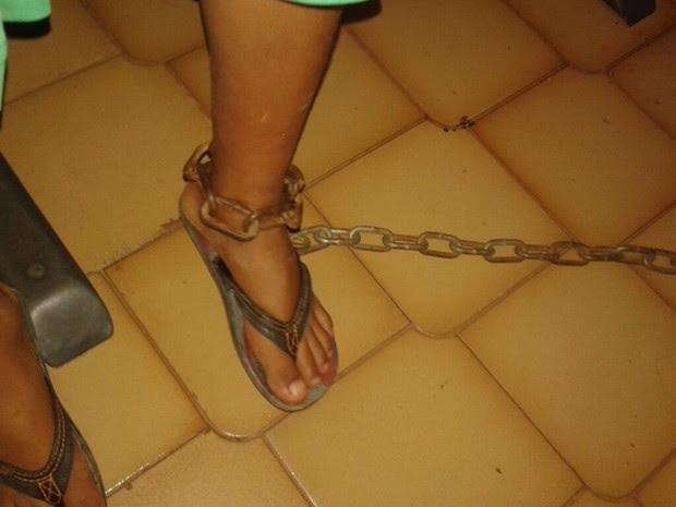 Menino foi encontrado acorrentado em Paraíso do Tocantins (Foto: Divulgação/Conselho Tutelar)