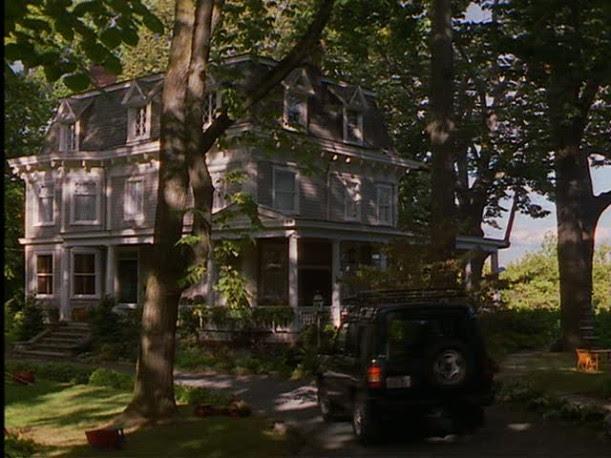 Stepmom house driveway