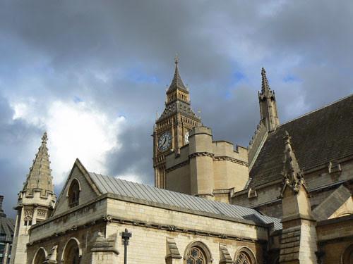 les toits du Parlement.jpg