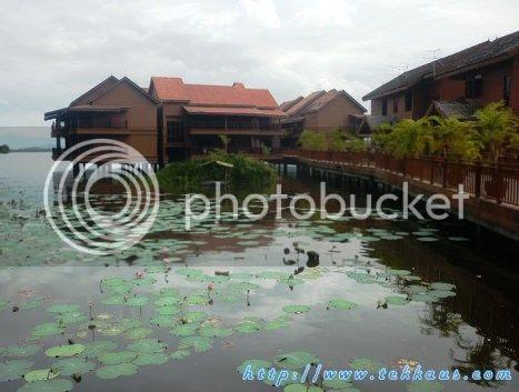 photo 06KampungAirBukitMerakLaketown_zpsabc252fd.jpg
