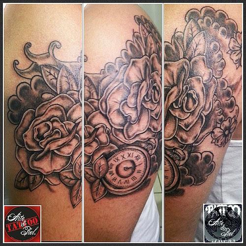 Rosas Flores Reloj Brazo Blackandgrey Tattooarteypiel Tatuajes