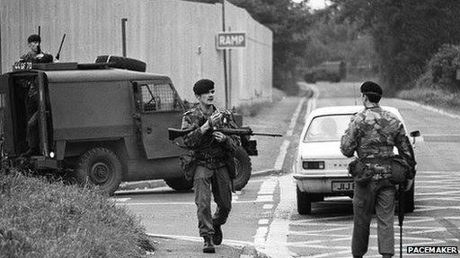 Soldiers at scene of Maze escape