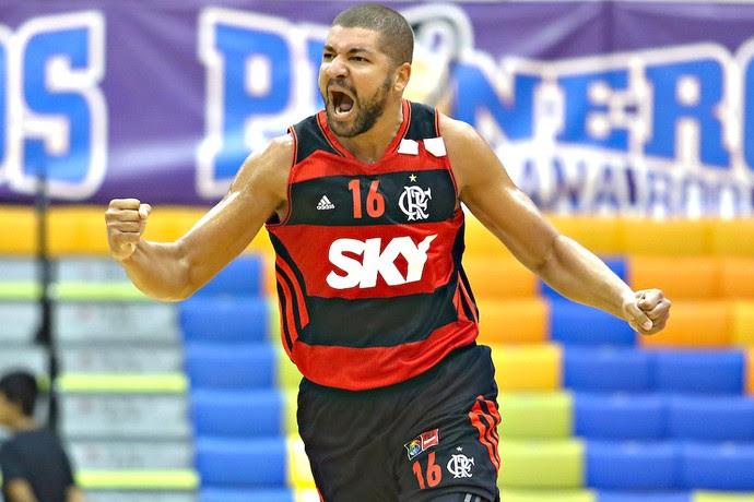 Olivinha, Malvin X Flamengo - Basquete (Foto: Etzel Espinosa / FIBA)