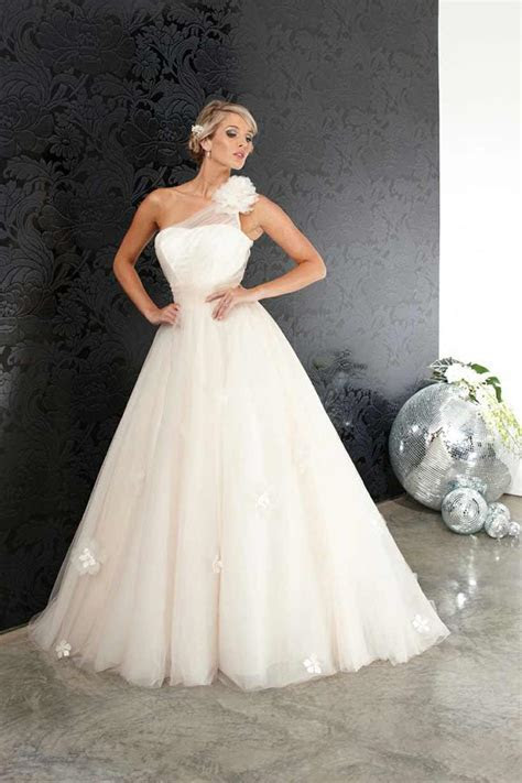 Halo Bridal Designs Sale!   Modern Wedding