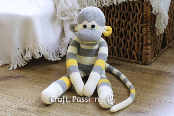 http://www.craftpassion.com/2012/04/how-to-sew-sock-monkey.html/2