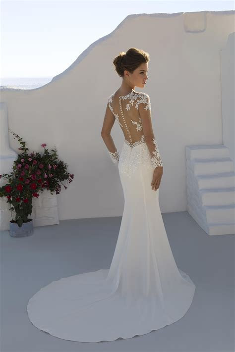 7227 Wedding Dress from Mark Lesley   hitched.co.uk