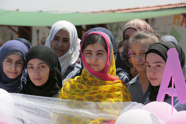 http://media2.s-nbcnews.com/j/newscms/2015_28/1118086/150712-malala-opens-school-for-syrians-yh-1119a_19d104d20e2e334e4b84cc13b1e1e8ee.nbcnews-ux-2880-1000.jpg