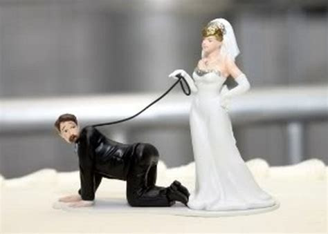 10 Very Funny Wedding Cake Toppers   Viral iDeas