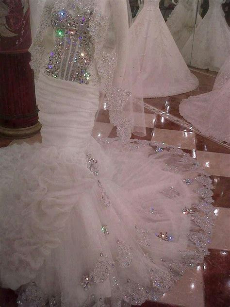 Love the sparkle this bling has!!! Dress shape ehh not so