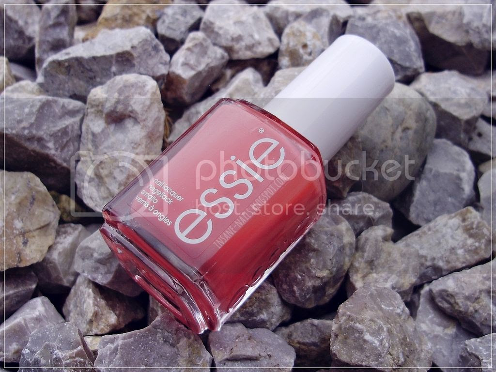 photo Essie_Cute_As_A_Button_5_zpstmdcpgiq.jpg